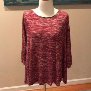 Boutique top with adorable back!